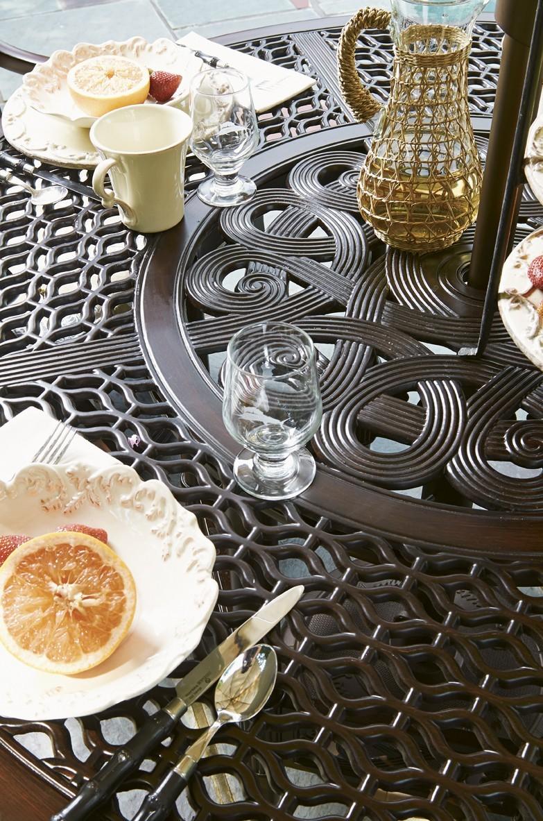 Black sands table scape
