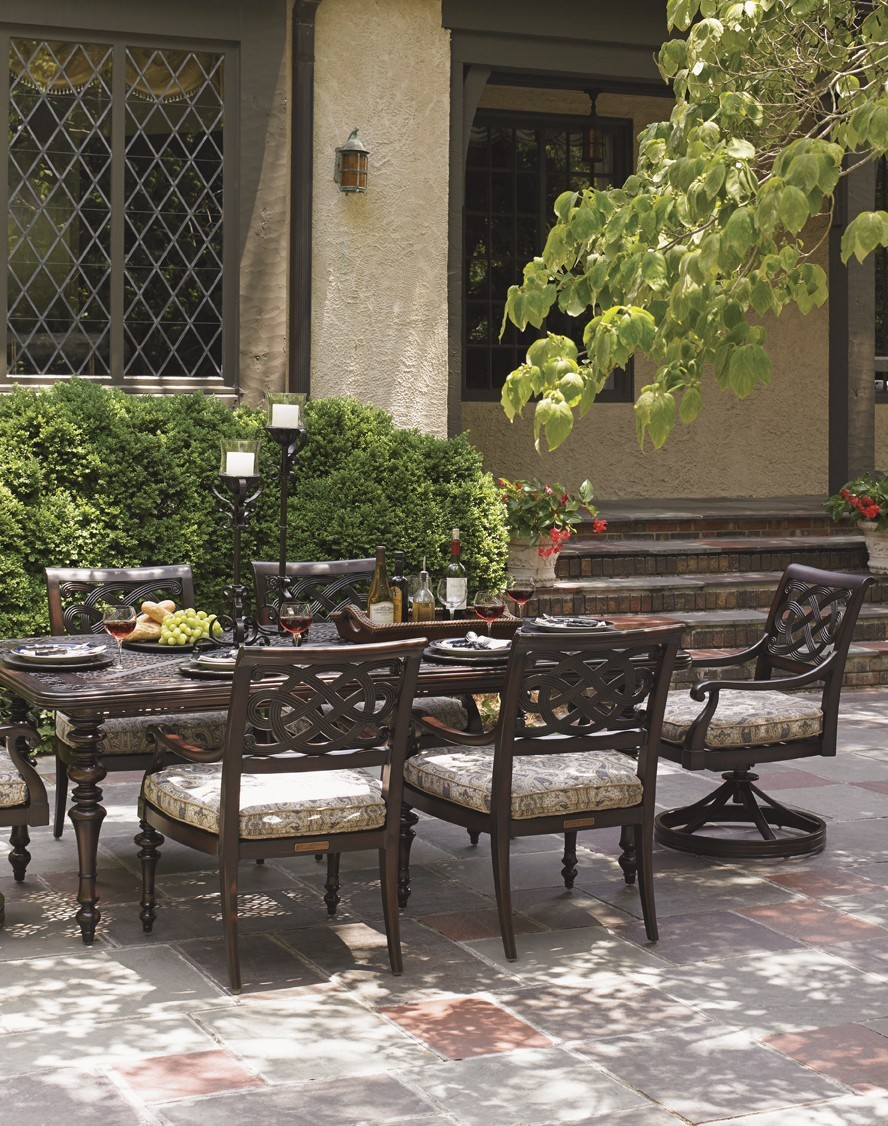 Black Sands dining table and dining chairs