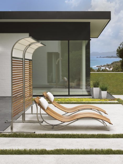 tres chic chaise lounges