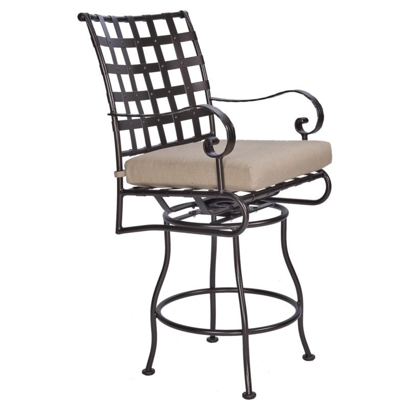 Classico-W Swivel Counter Stool With Arms