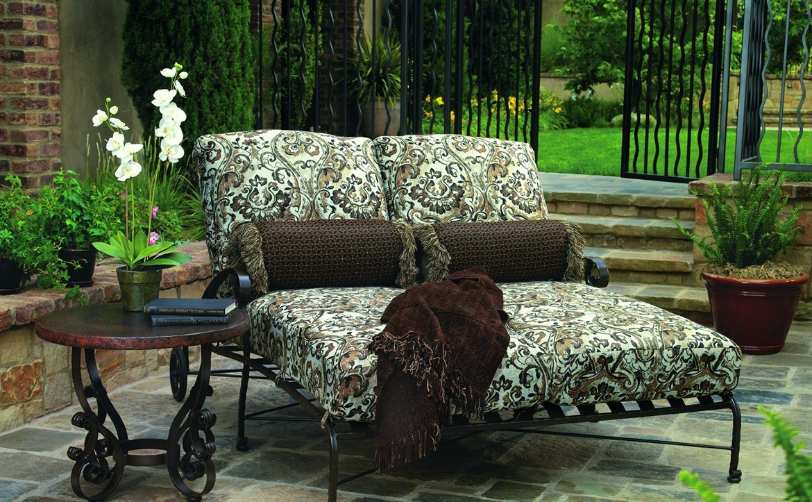 O.W. Lee luxury handcrafted outdoor furnishings online