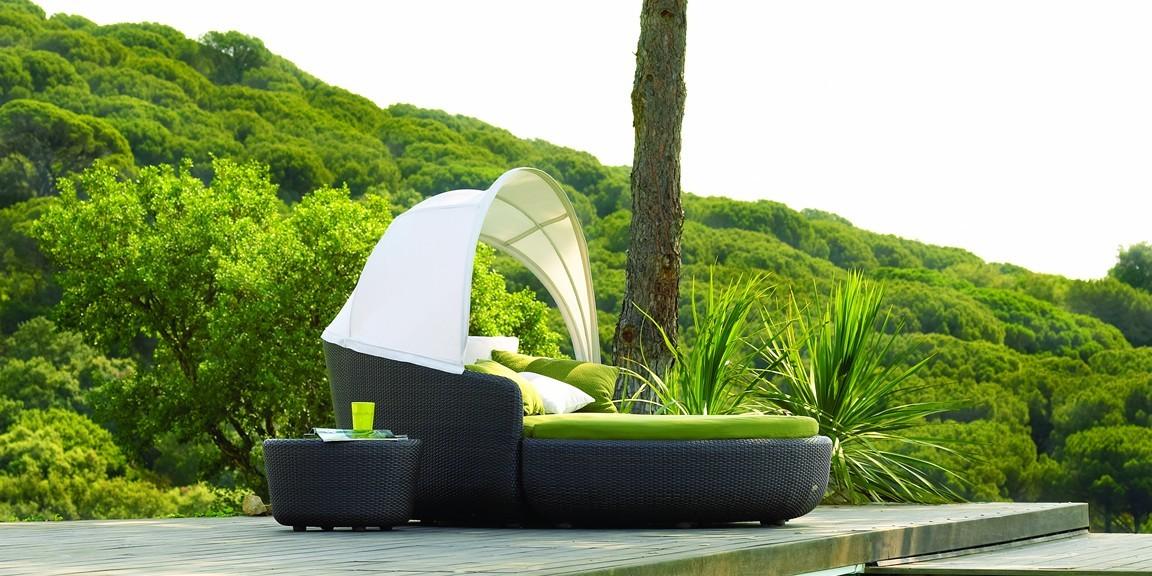 rattan outdoor cuddler seat