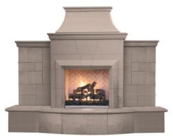 Grand Petite Cordova outdoor gas fireplace by American Fyre