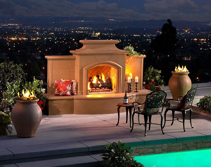 Mariposa outdoor fireplace