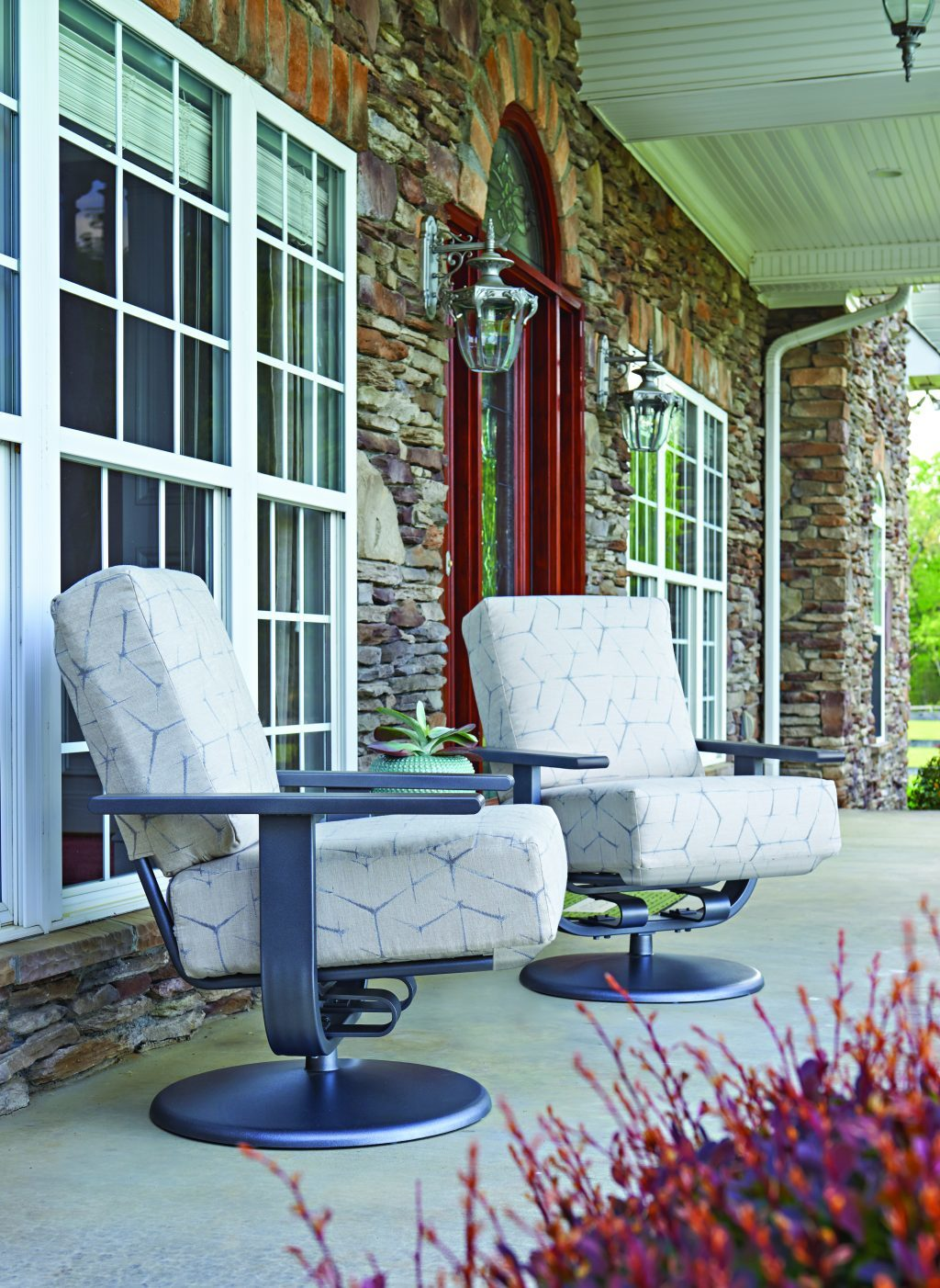 Ways to Jazz Up Your San Diego Front Porch for Summer