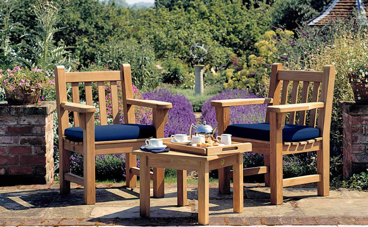 Barlow Tyrie outdoor seating table