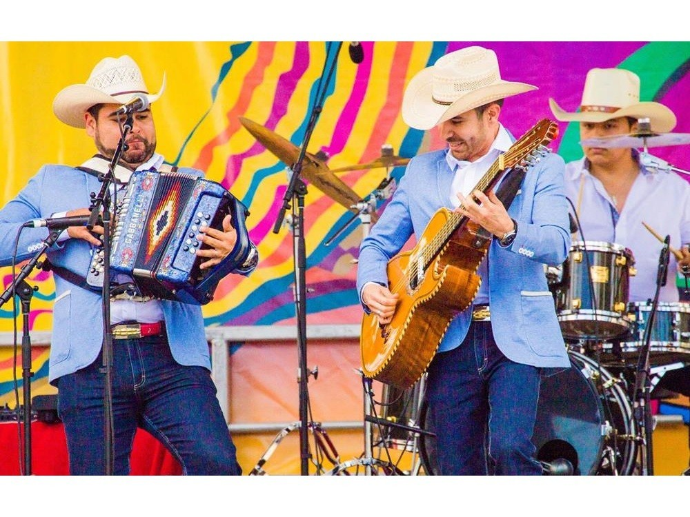 Cinco de Mayo music in Old Town San Diego