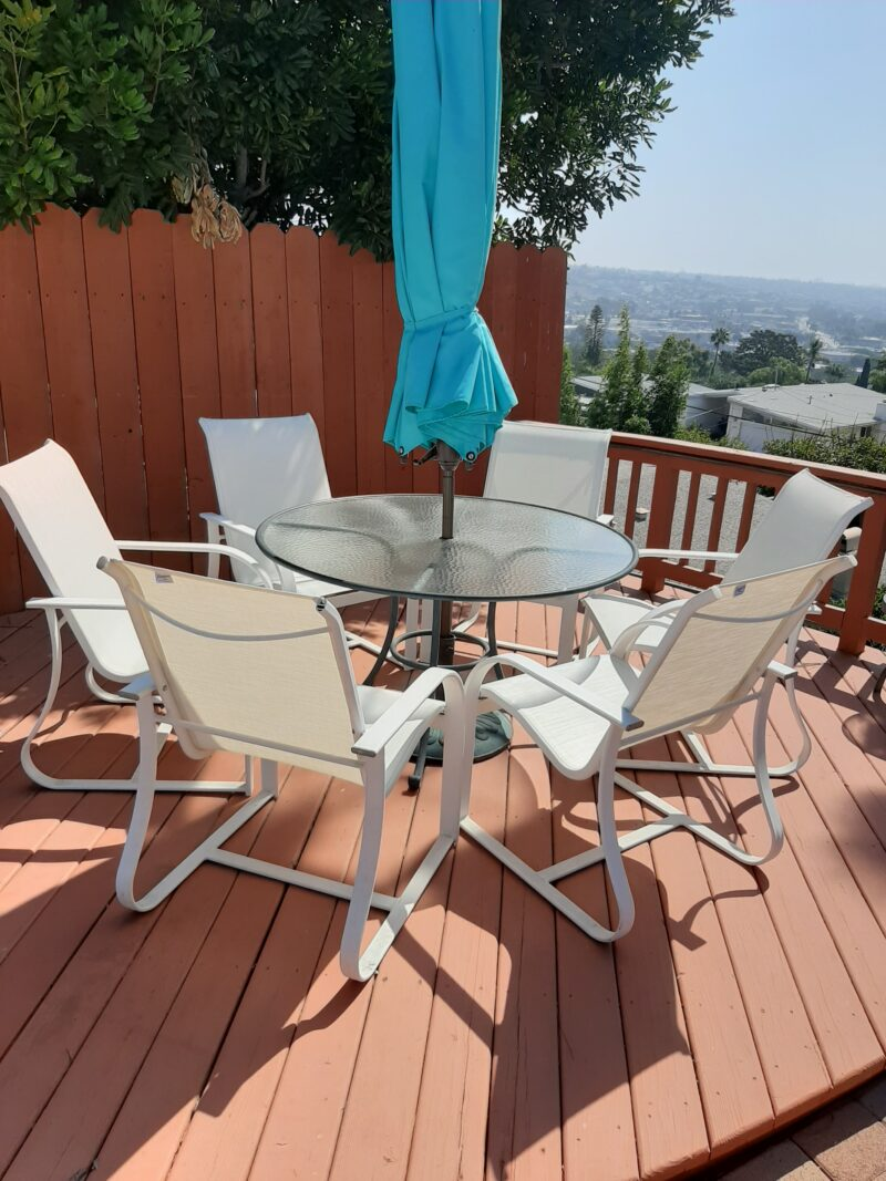 outdoor table and chairs with umbrella